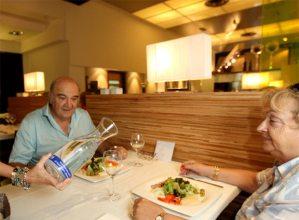 El Restaurante Avenida XXI de San Sebastián se ha sumado a la campaña del Ayuntamiento para servir agua de grifo en sus menús