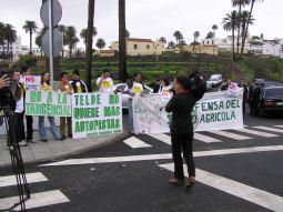 Acto de rechazo a la Tangencial en la inauguración de un vial de Telde