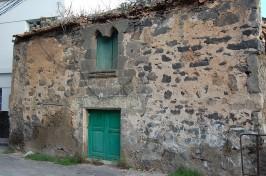 Casa con arco gótico en la zona de Arauz-San Gregorio (foto Teldeactualidad)